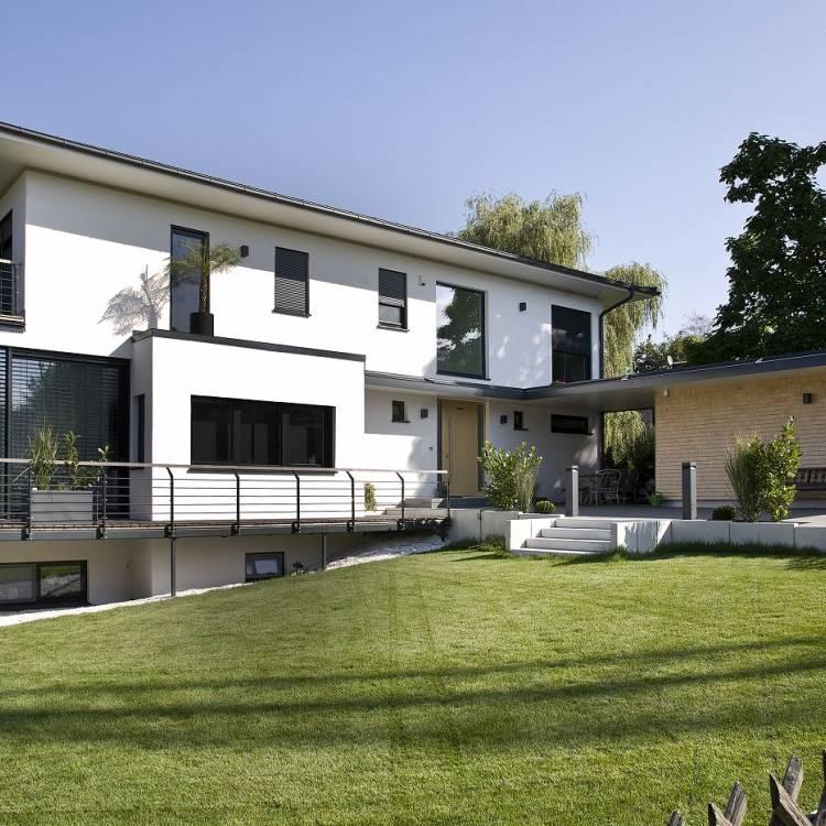 Errichtung eines Einfamilienhauses mit Doppelgarage